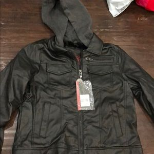 Jacket fits womens small but its boys xl